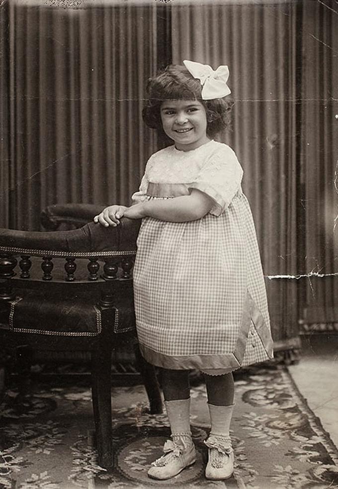 Frida Kahlo com 4 anos em 1911