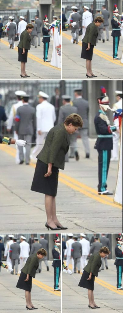 "foto ""touché"" em Dilma Rousseff - espada atravessada na ex-presidente"