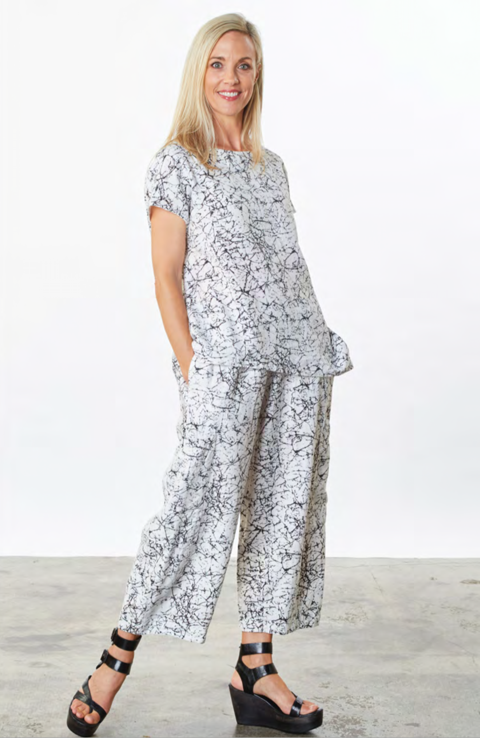 Bryn, Walker, usa, california, fashion, collection, brand, american, local, made, in, berkely, ladies, wear, ladieswear, ss2021, 2021, spring, summer, pant, suit, outfit, pattern, black, white