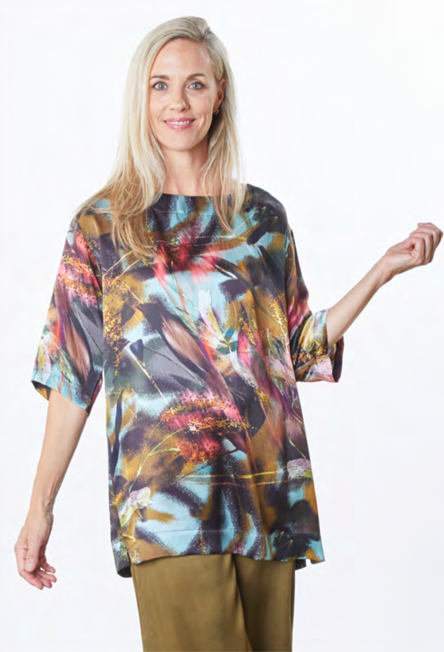 Bryn, Walker, usa, california, fashion, collection, brand, american, local, made, in, berkely, ladies, wear, ladieswear, ss2021, 2021, spring, summer, abstract, pattern, blouse, silk, top, tunic