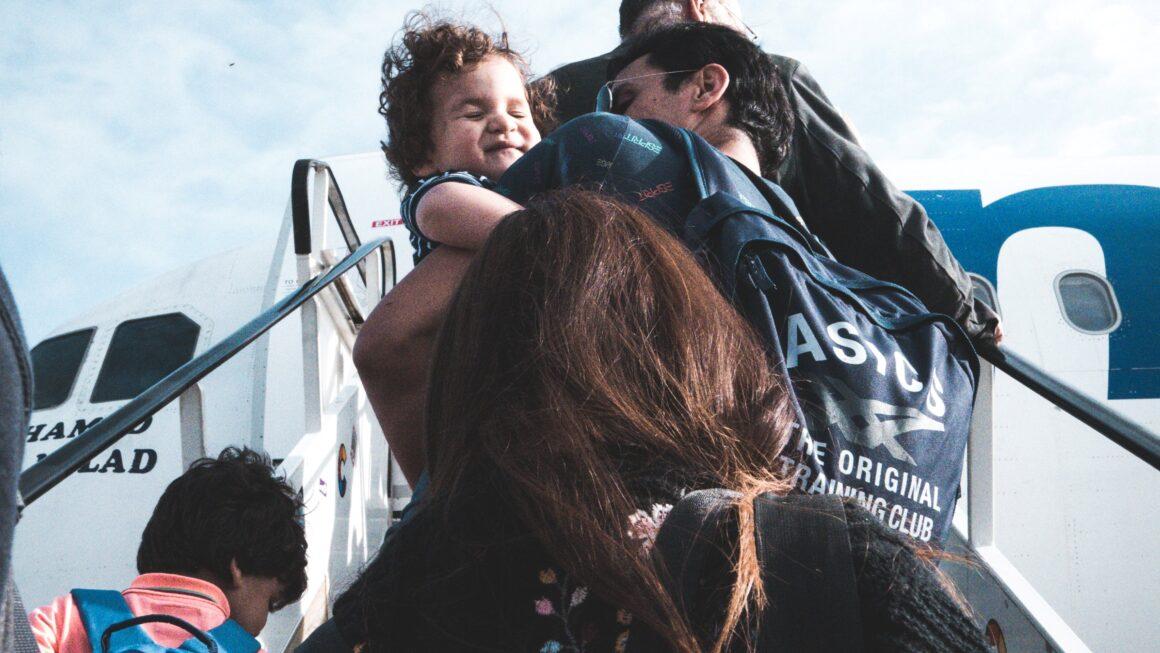 Como se preparar para uma viagem internacional com crianças e adolescentes