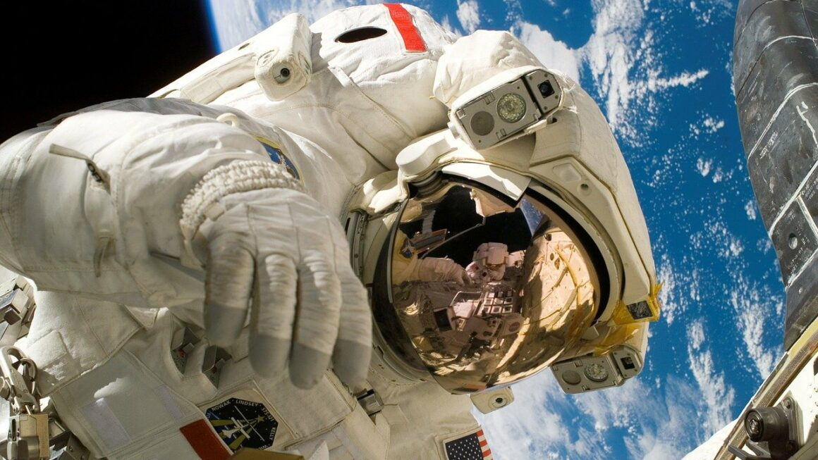Afinal, a quem pertence o espaço sideral?