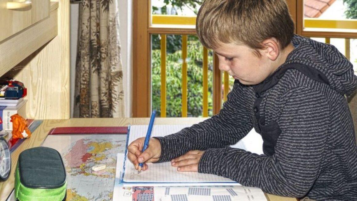 Homeschooling e aulas online: entenda a diferença e as regras sobre o ensino domiciliar