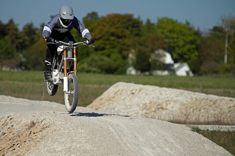 Cake Kalk production series lightweight e-moto dirtbike trail bike e-motorcycle