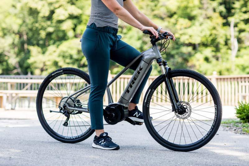 Trek 2019 Dual Sport+ e-bike, woman on bike