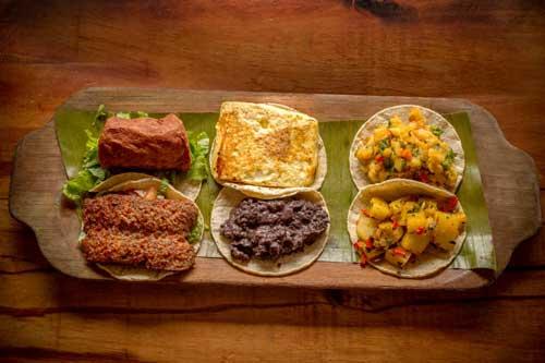 "Traditional ""gallos"" with tortillas"