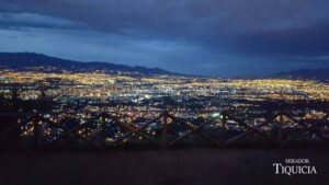 Vista al anochecer Mirador Tiquicia