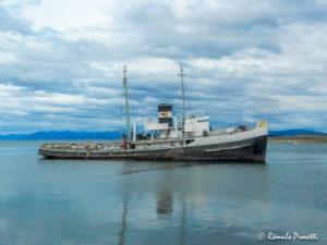 Navio encalhado - Estreito de Beagle, Tierra del Fuego, Chile/Argentina