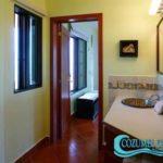 11.- Casa Feliz - Bathroom from bedroom 4