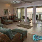4.- Condo Las Brisas 602 - Living room