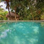7. Centro Holistico - Pool & Cabaña