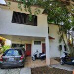 2.- Casa Tomas - Garage & front Door