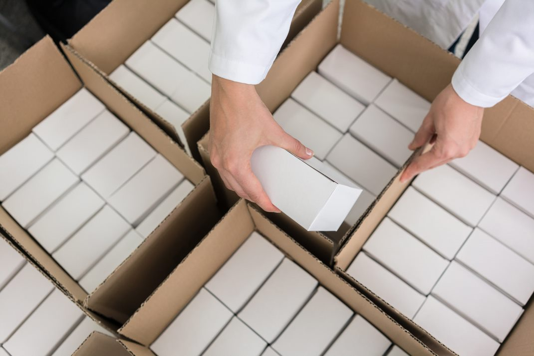 white boxes for products
