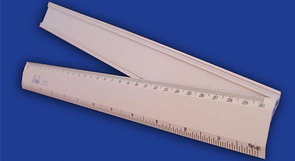 regla de aluminio t/escritorio 30 cms.