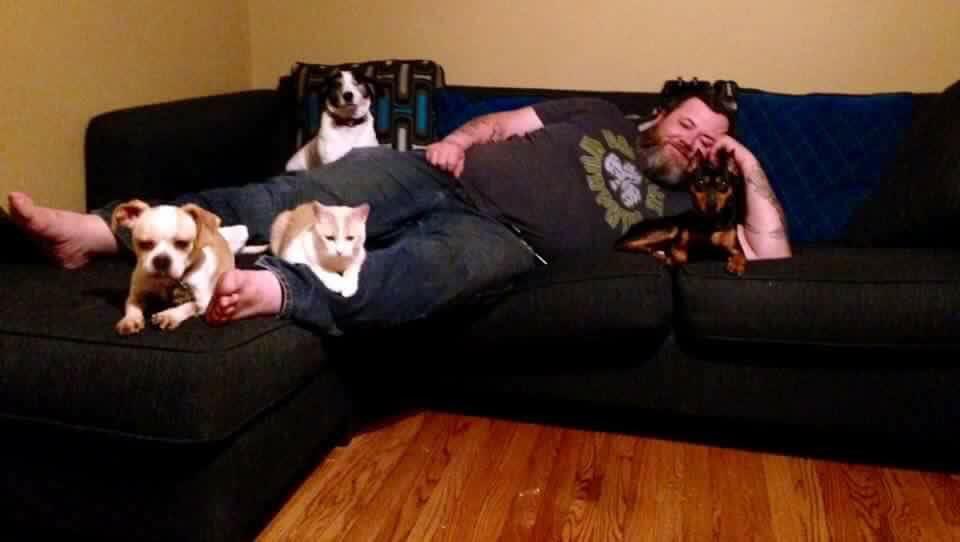 Eric Petsitting Bio Photo