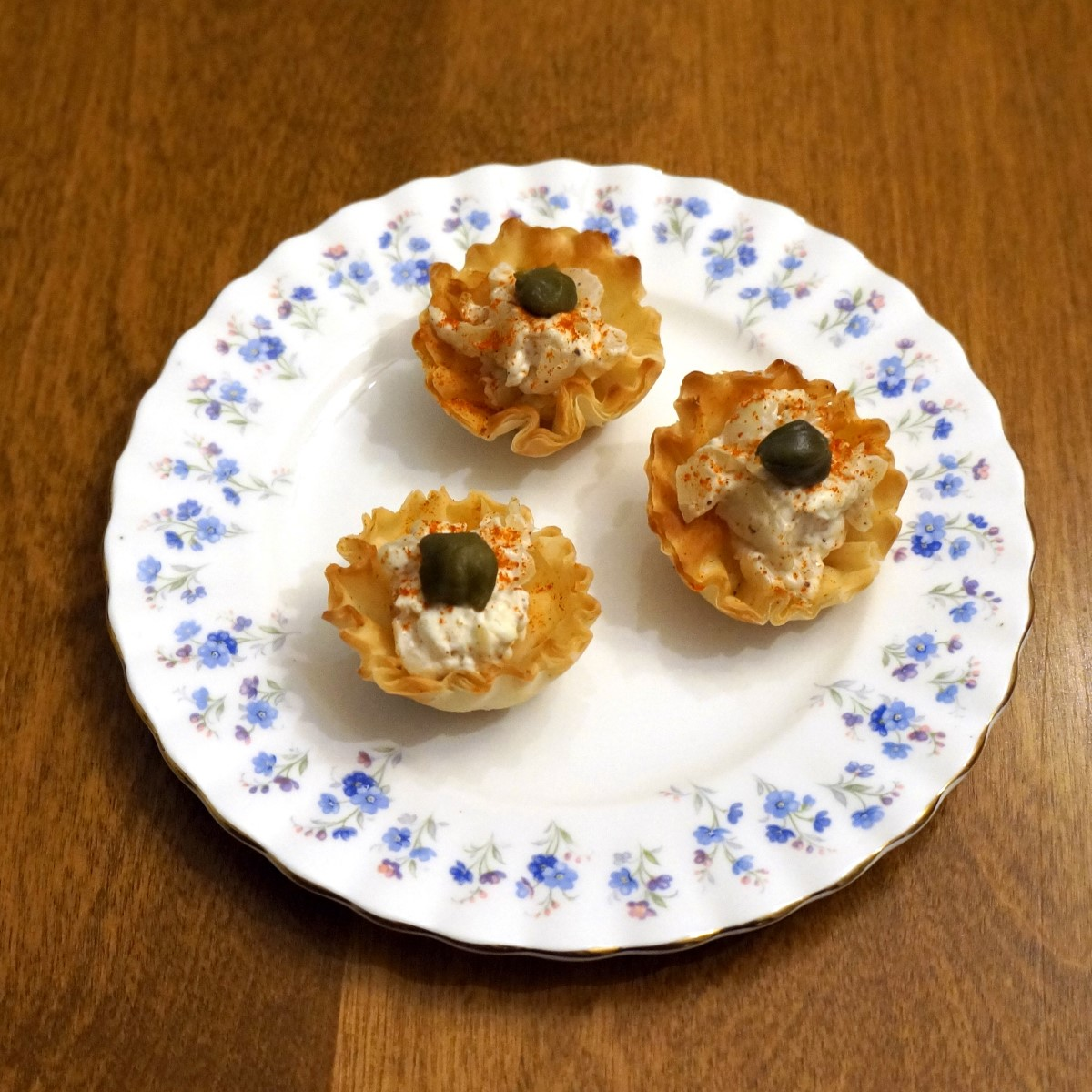 French onion mini phyllo cups