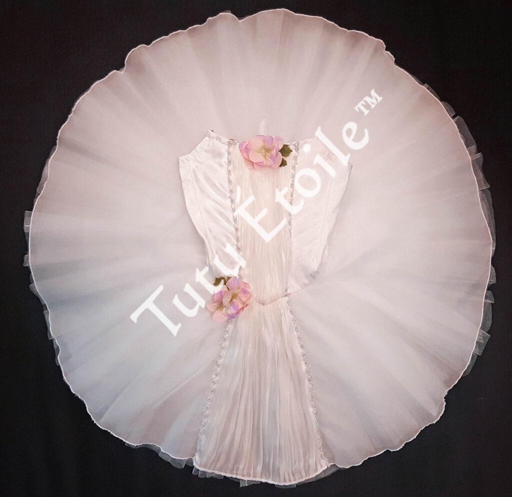Le Corsaire white tutu2