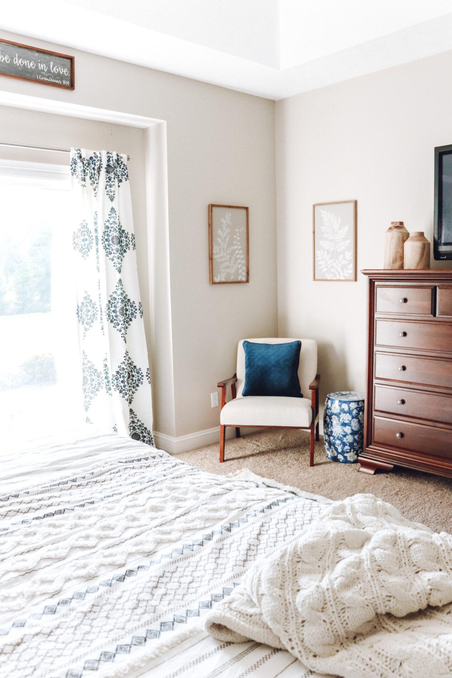corner bedroom chair