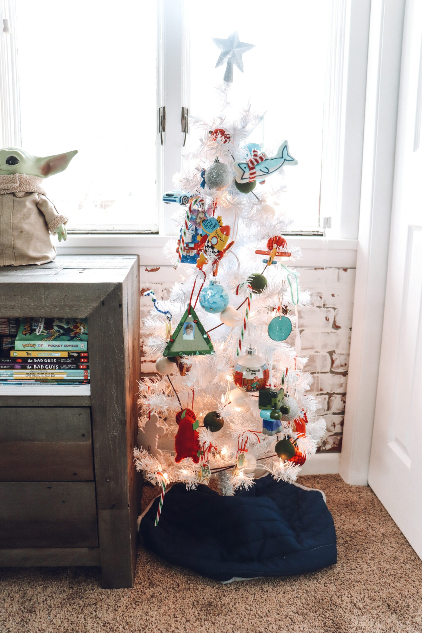 Christmas tree boys bedroom
