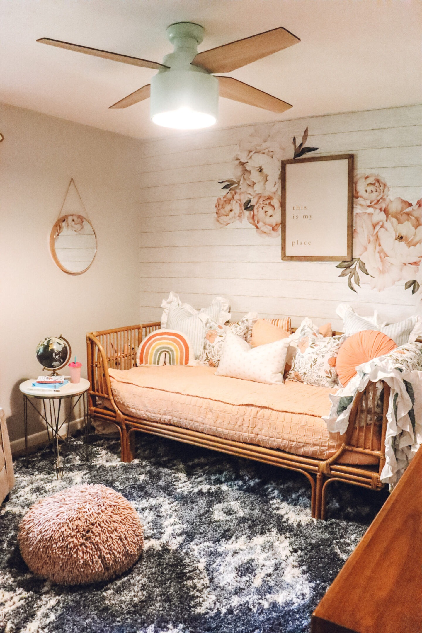 toddler girls bedroom