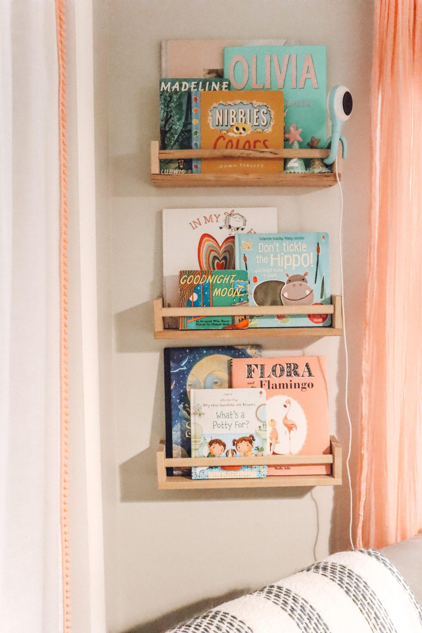 Toddler bookshelves