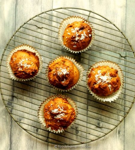 spiced+papaya+and+ginger+muffins