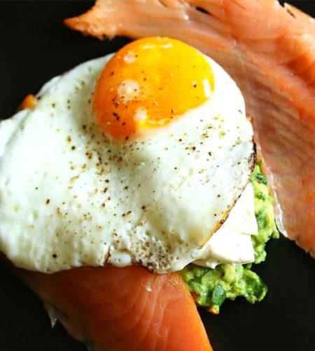 egg-salmon-avocado-breakfast