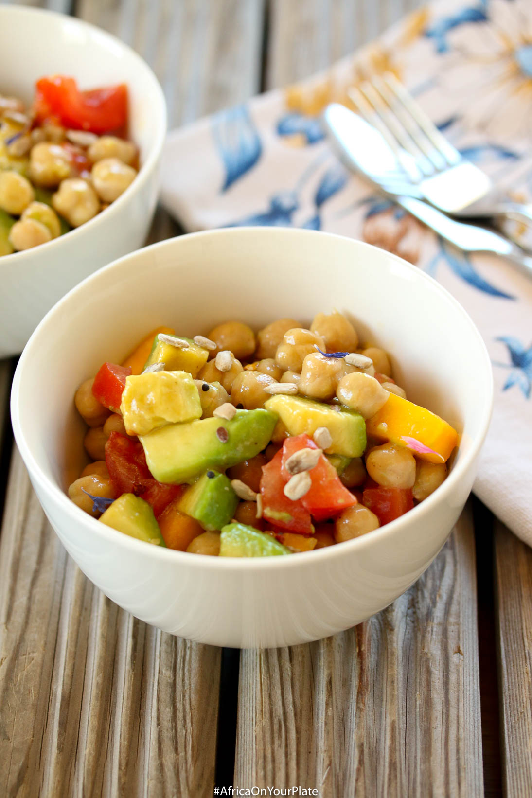 egyptian-chickpea-avocado-salad