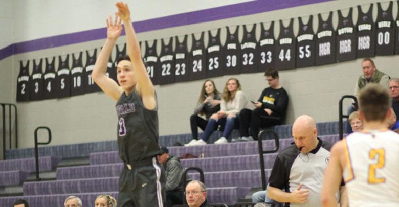 Brandon Maatz shoots a three pointer