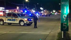 South Carolina police officer killed in shooting