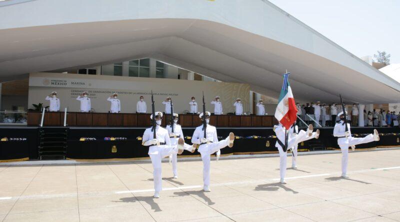 Se Gradúan 129 Guardiamarinas de la Escuela Naval Militar