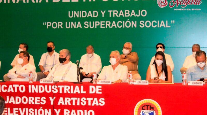 Recibe Juan Echeagaray Becerra a Integrantes de la Asamblea del SITATYR