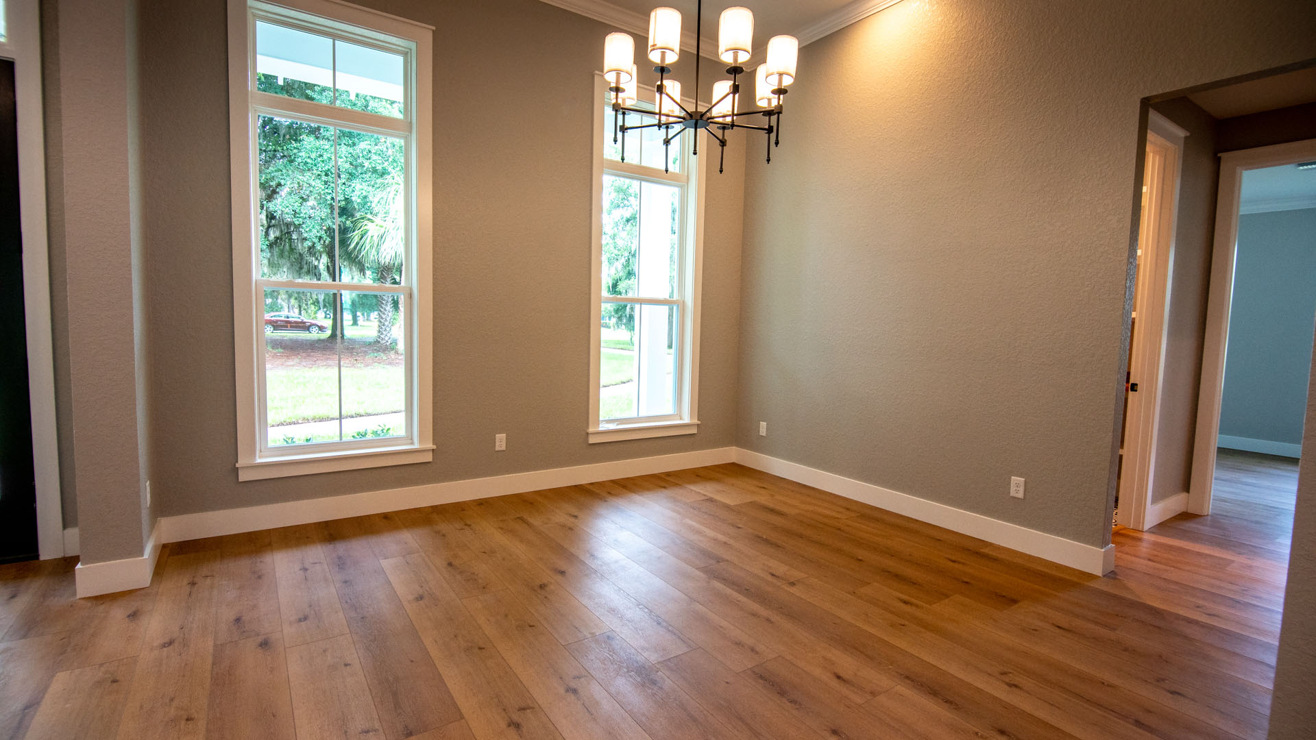 """<span  class=""""uc_style_uc_tiles_grid_image_elementor_uc_items_attribute_title"""" style=""""color:#ffffff;"""">Trotting Horse Lane-1-8-Dining Room</span>"""