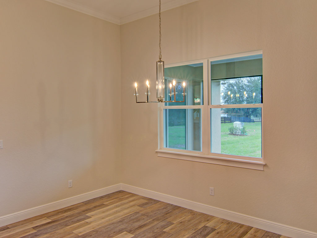 """<span  class=""""uc_style_uc_tiles_grid_image_elementor_uc_items_attribute_title"""" style=""""color:#ffffff;"""">breakfast nook</span>"""