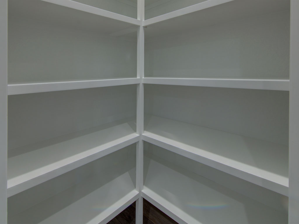"""<span  class=""""uc_style_uc_tiles_grid_image_elementor_uc_items_attribute_title"""" style=""""color:#ffffff;"""">pantry shelving</span>"""