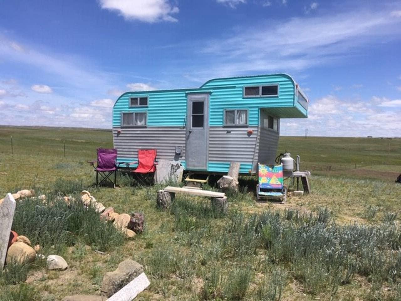 vintage-camping-air-bnb-buffalo-wy