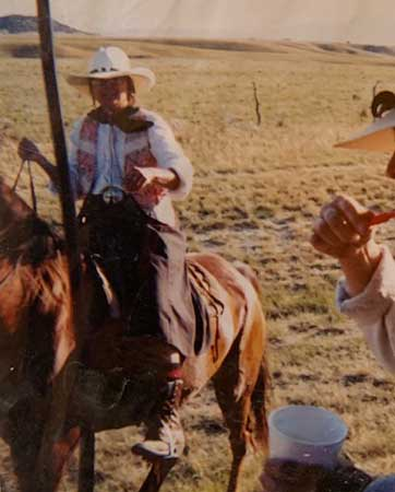 rustic-lodge-horses-buffalo-wy