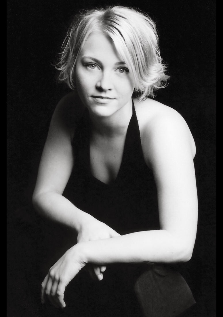 Sara, Actor, NYC