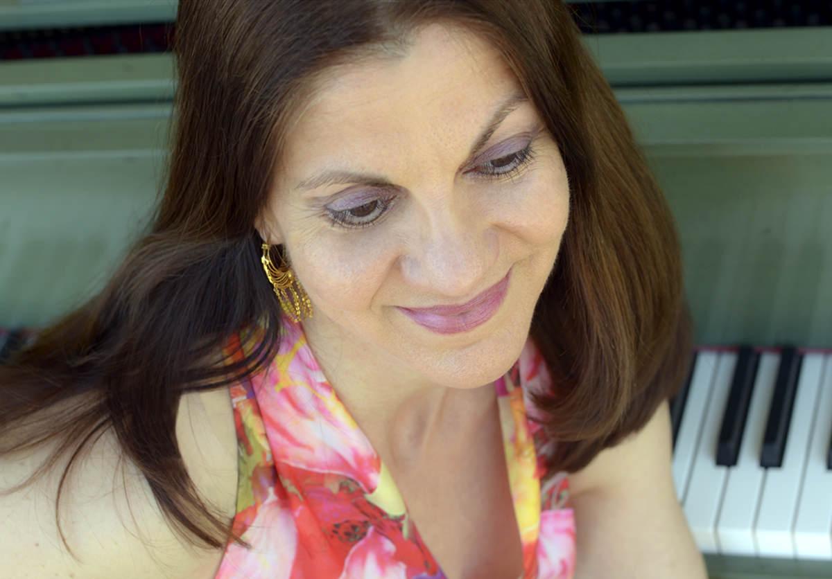 Anne Sajdera, California