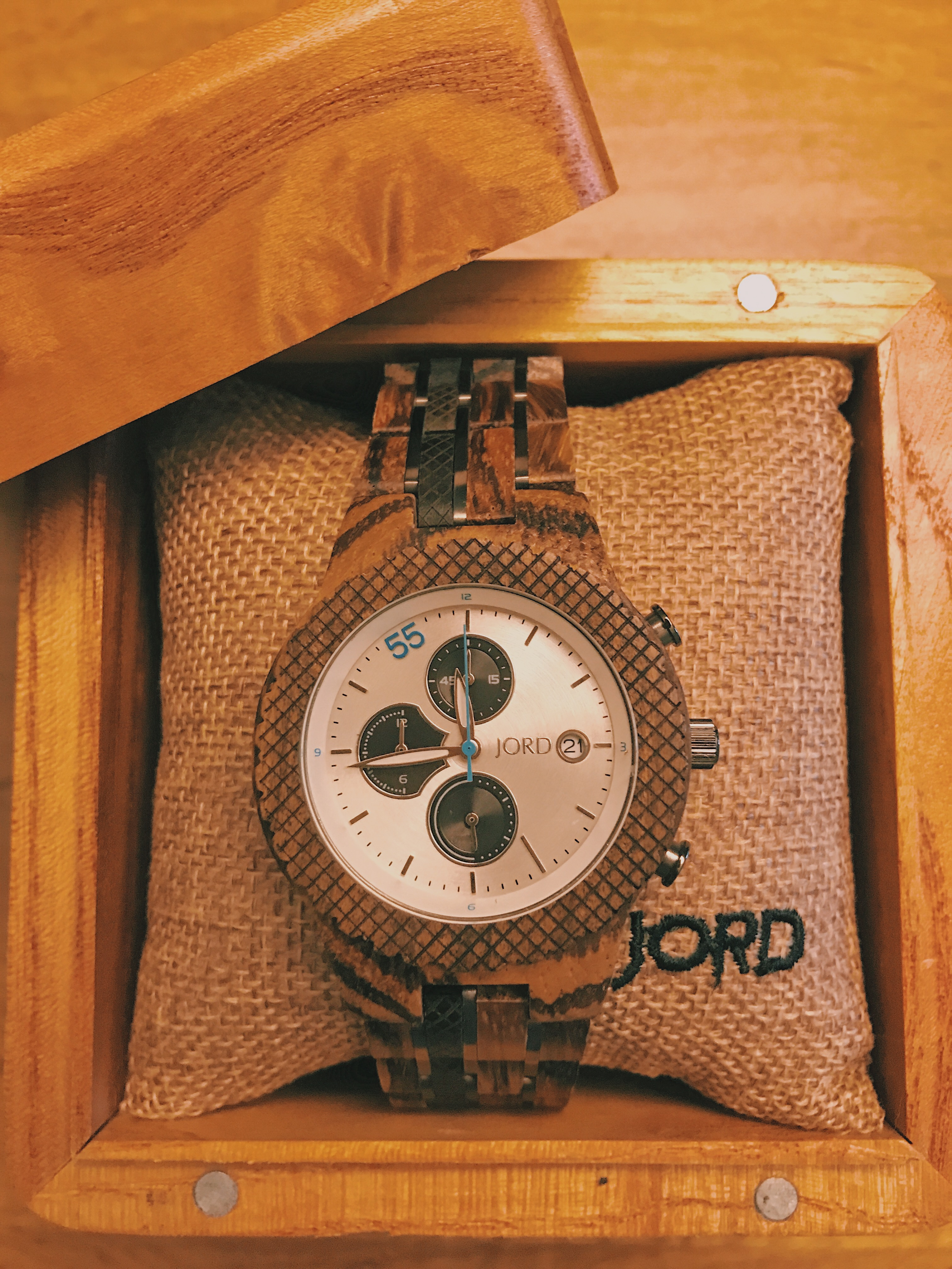 Watch Giveaway, JORD Watch Giveaway, Husband, Birthday Gift, Anniversary Gift, Unique Watch, Cool Watch, Wooden Watch, Newlywed Life