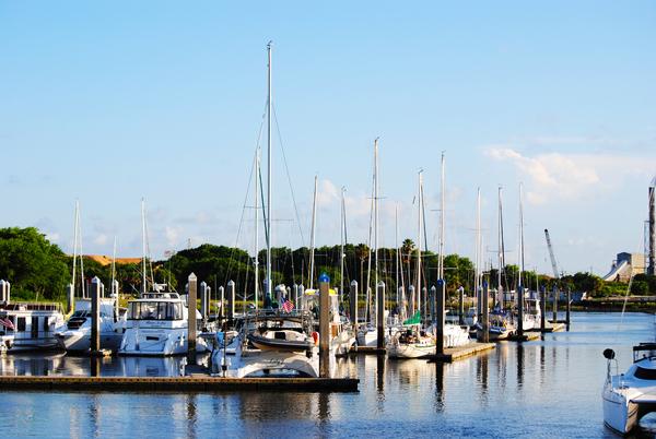 Sail boats and motor boats in the Fernandina Beach marina