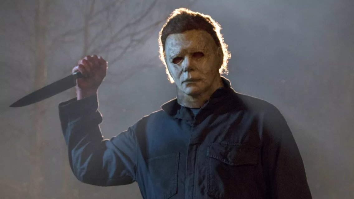 Michael Myers from Halloween holding a kitchen knife