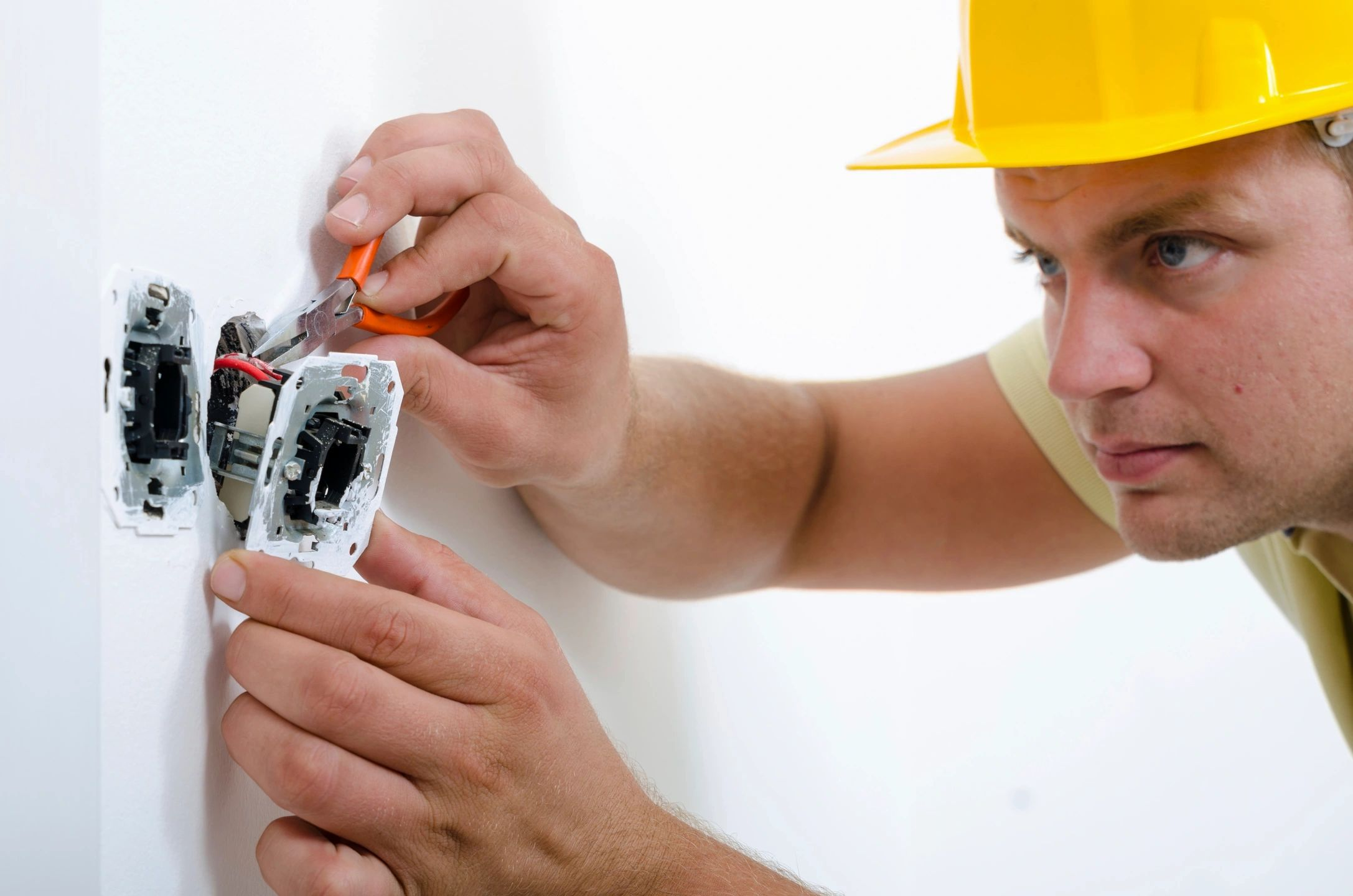 Reasons To Consider Becoming An Electrician