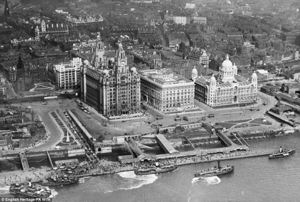 Liverpool waterfront 1920