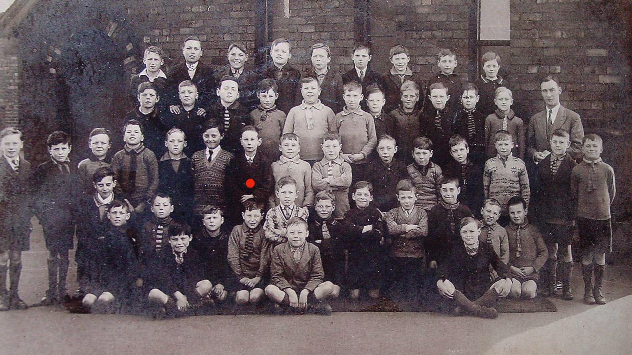 Jim Otterson's school class, about 1830