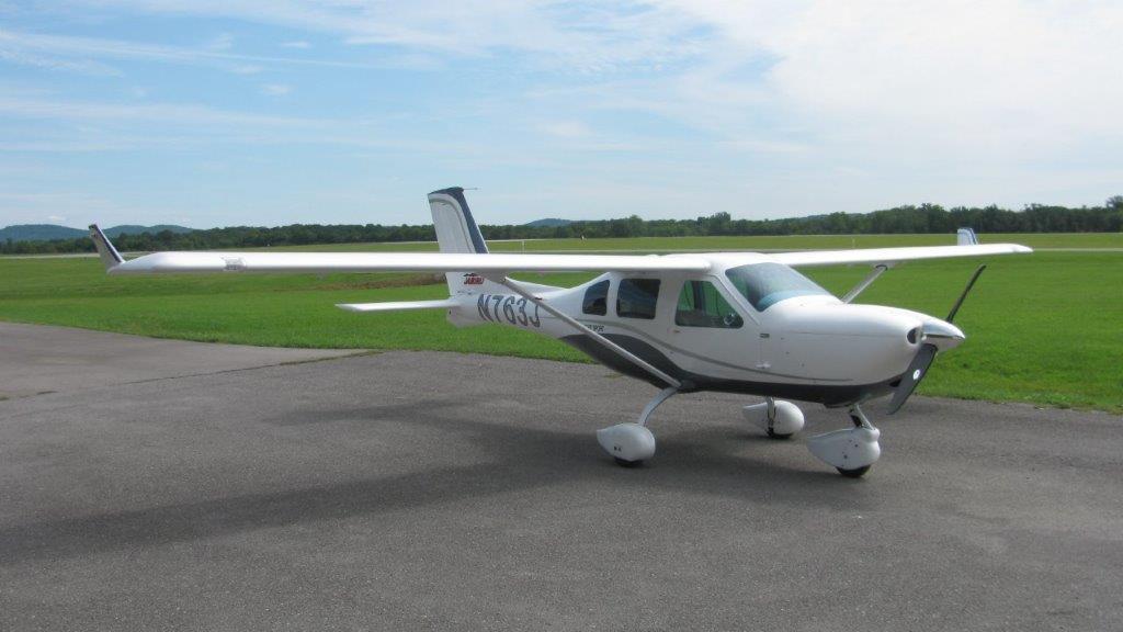 Jabiru Light Sport Aircraft N763J Outside Right