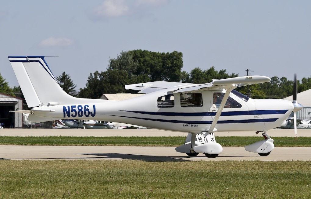 Light Sport Aircraft For Sale N586J