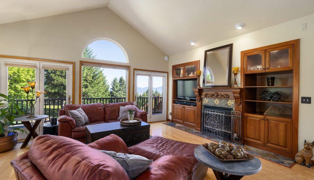 16785 W Deer Ridge Post Falls Real Estate Living Room