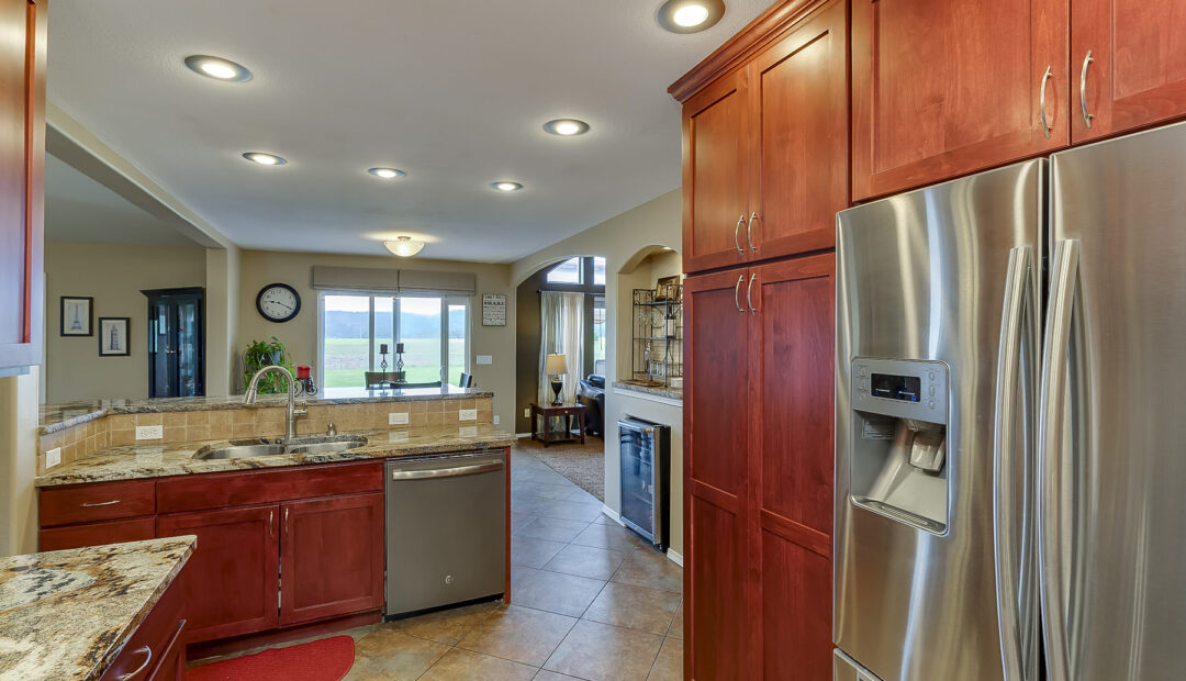 7132 E GRETA AVE POST FALLS IDAHO REAL ESTATE HOME FOR SALE STAINLESS STEEL APPLIANCES