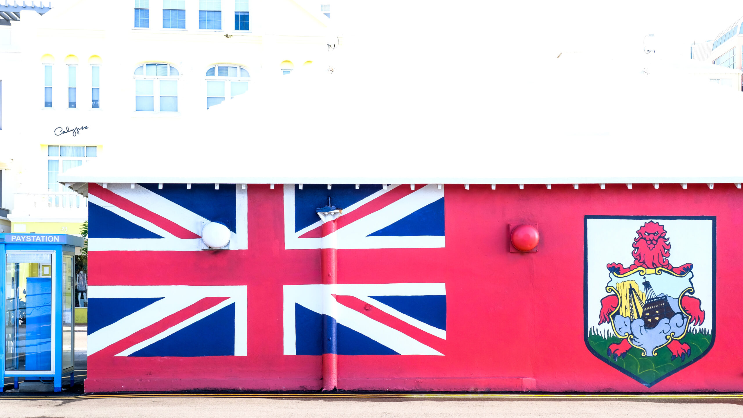 bermuda flag on the side of a building
